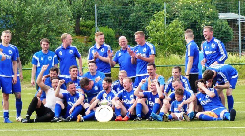Mittelsachsenliga  –  26. Spieltag  /Meisterschale für Barkas